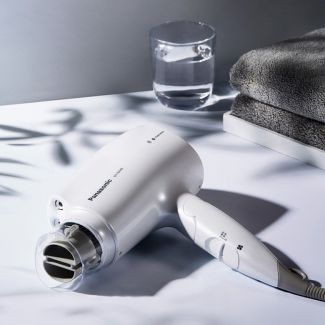 Panasonic - 「白金納米離子護髮」風筒 (EH-NA46) (白色)